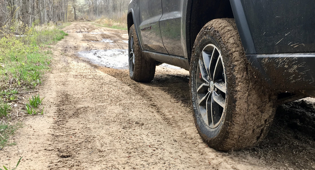 Bridgestone Dueler A/T REVO 3 in mud