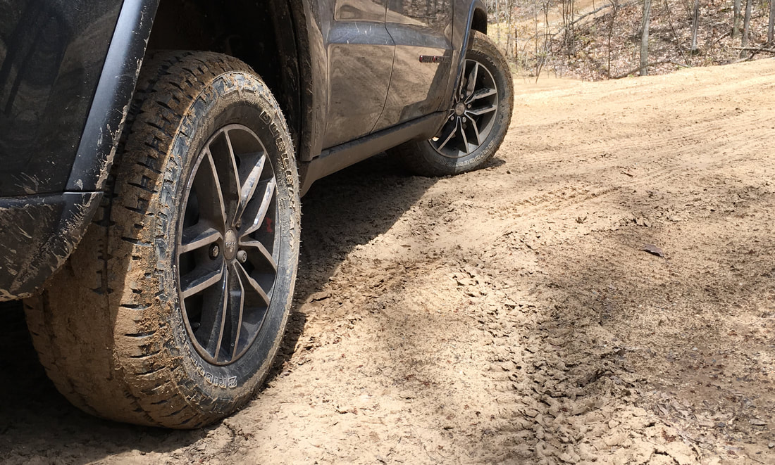 Bridgestone Dueler A/T REVO 3 off-road turn